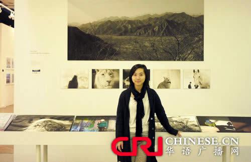大学摄影展中国留学生脱颖而出