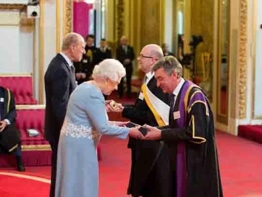 伦敦艺术大学荣获英国皇家荣誉
