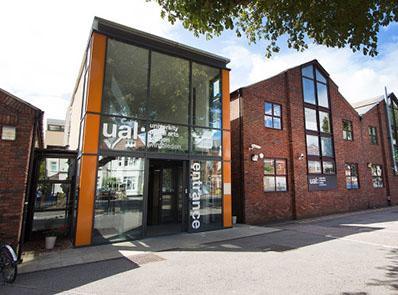 在艺术之都的艺术大学,伦敦艺术大学